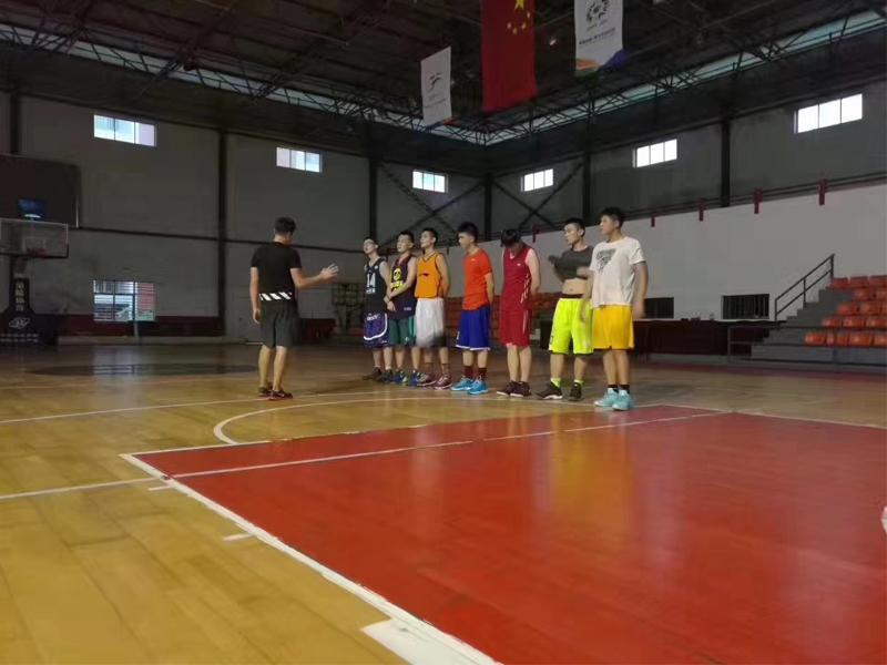 建桥教育篮球训练馆